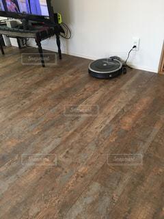 木の床の部屋の写真・画像素材[1146147]
