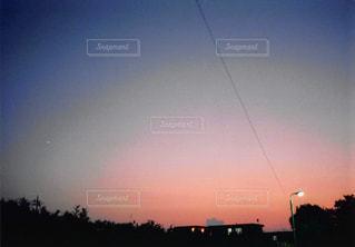 街に沈む夕日の写真・画像素材[1044589]