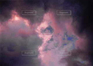 近くに空には雲の上の写真・画像素材[1044592]