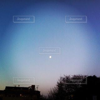 月の写真・画像素材[2321540]