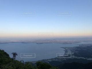 観水と背景の山の写真・画像素材[1283672]