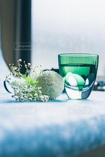 切子と花の写真・画像素材[2214128]