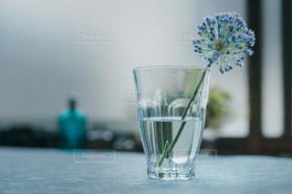 グラスの花の写真・画像素材[2214138]