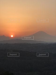 背景の大きな山 - No.1147903