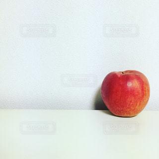 赤いリンゴの写真・画像素材[1147943]
