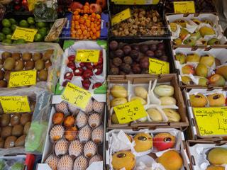 ロンドンの市場のフルーツの写真・画像素材[1154899]