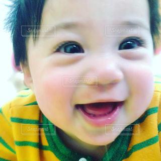 赤ちゃん満面の笑みの写真・画像素材[1162664]