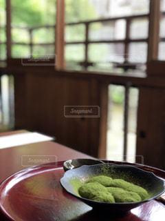 抹茶わらび餅の写真・画像素材[1208610]
