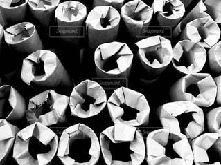 ポスターを筒にする事務作業の結果の写真・画像素材[1156248]
