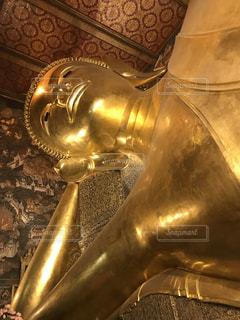 ワットポーの涅槃仏の写真・画像素材[1154600]