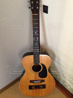 父親のギターの写真・画像素材[1150840]