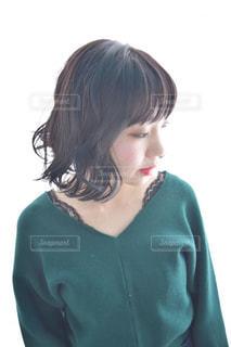サロンモデルをしている女性の写真・画像素材[1153243]