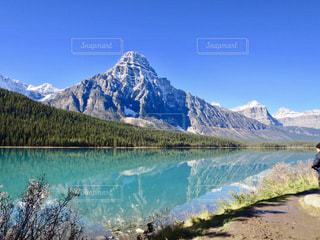 水の山の横にの写真・画像素材[1154283]