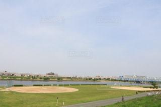 河川敷の野球場の写真・画像素材[1160582]