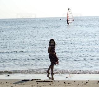 海岸を散歩の写真・画像素材[4009158]