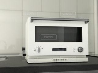 白いオーブン レンジの写真・画像素材[1157380]