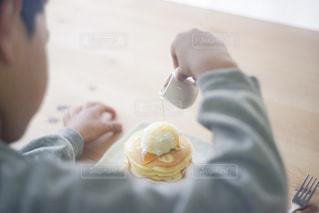 パンケーキと子供の写真・画像素材[1160911]