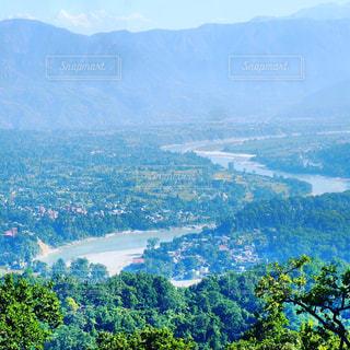 カリカテンプルから見た町とヒマラヤの写真・画像素材[1156484]