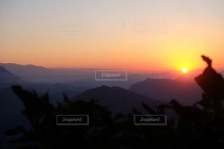背景の夕日の写真・画像素材[1158438]