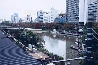 都市の川の写真・画像素材[2764547]