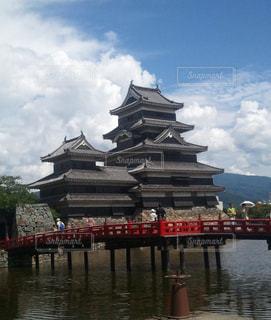 岐阜城と朱のコントラスト - No.1161509