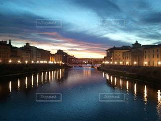 フィレンツェの夕暮れの写真・画像素材[1161550]