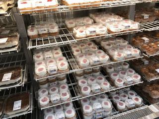 ドーナツの種類でいっぱいディスプレイ ケース - No.1162293