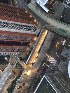 高層ビルから見下ろす道の写真・画像素材[1162588]