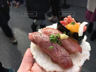 美味しすぎる肉寿司の写真・画像素材[1170637]