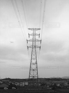 近くの塔のアップの写真・画像素材[1166547]