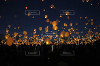 スカイランタン祭りの写真・画像素材[3123084]