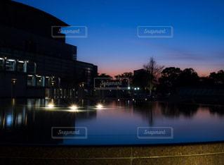 芸術劇場前 噴水の写真・画像素材[1168847]