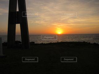 慰霊の夕焼けの写真・画像素材[1169975]