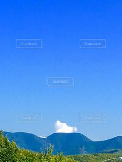山頂に雲の写真・画像素材[1355812]