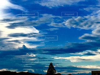 今日はとても雲の多い日でした。の写真・画像素材[1380077]