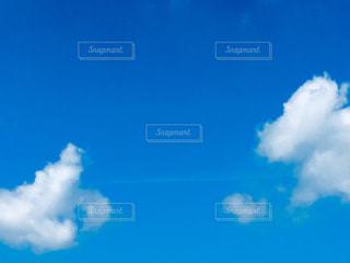 雲からクモの糸の写真・画像素材[1457642]