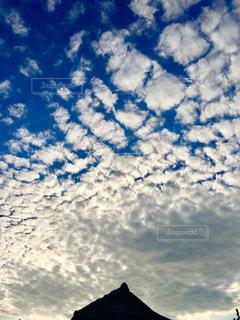 青い空と白い雲の写真・画像素材[1458060]