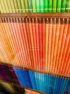 カラフルな色鉛筆の写真・画像素材[2207684]