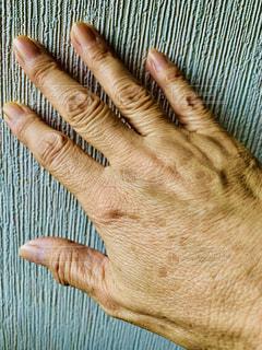 かくせない手の写真・画像素材[2378962]