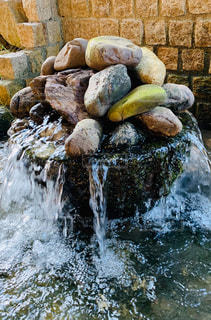 たくさんの石の写真・画像素材[2924429]