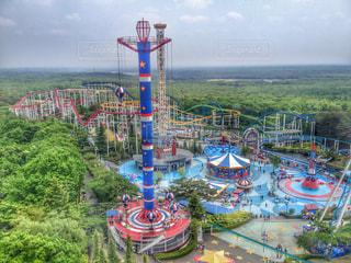 観覧車から眺める遊園地の写真・画像素材[1193345]