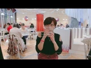 飲食店で対面する女性の写真・画像素材[2784734]