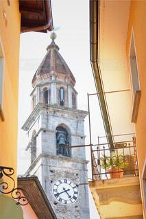 町の大きな時計台の写真・画像素材[1173544]