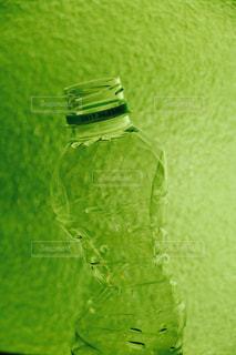 緑の草のボトル - No.1173890