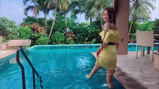 水のプールの女の子 - No.741073