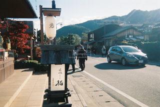 道の端に時計の写真・画像素材[1173749]