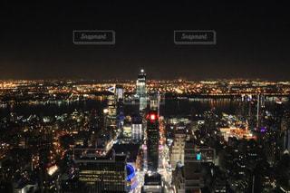 夜の街の景色の写真・画像素材[1174451]