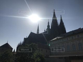 建物の上部に時計城の写真・画像素材[1174732]