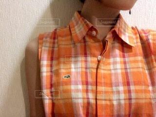 オレンジワンピースの写真・画像素材[3896695]