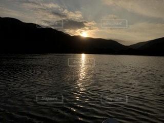 沈む夕日の写真・画像素材[1232657]
